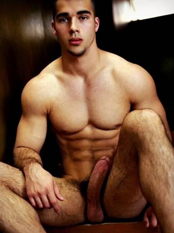 Morenos gostosos pelados